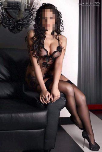 Seks kraliçası buğday tenli kız Gülriz