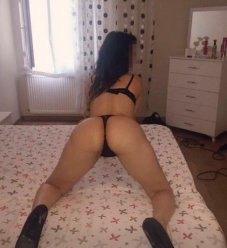 Seksi kumral kız Parla