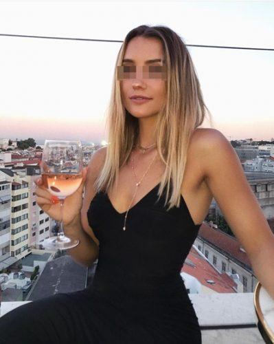 Süper esmer bayan Ayşegül